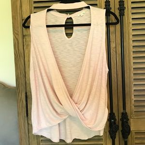 Silence and Noise pink top w/ key-hole back. Sz M